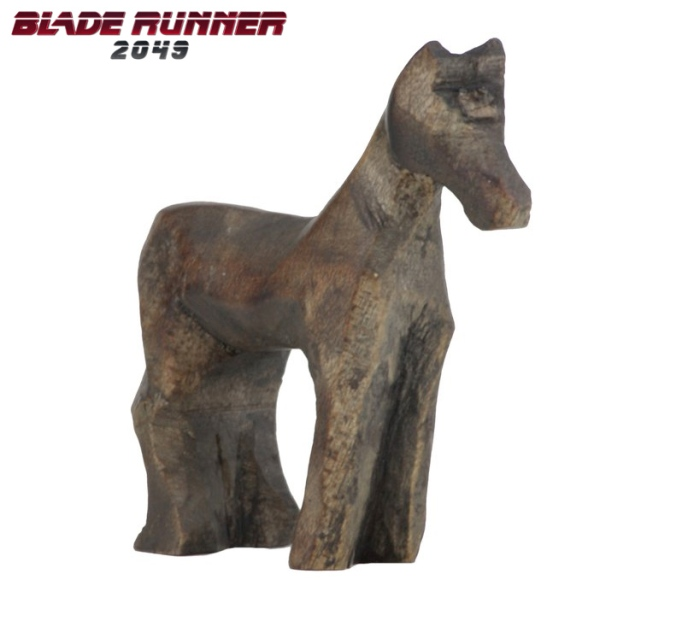 20171016toy-wooden-horse-blade-runner-2049-prop-replica-05